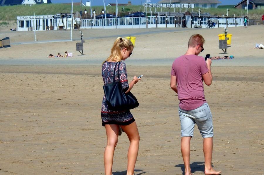 Smartphone op strand