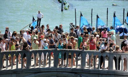 Hoe vermijd je de toeristen in Venetië?