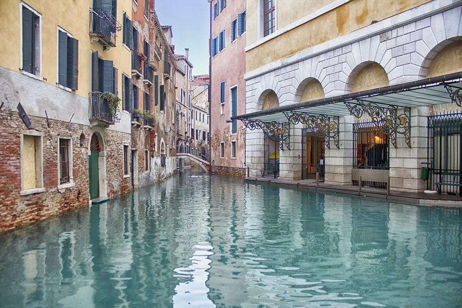 Venetie water